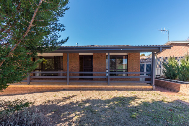 5 Moonbi Crescent, Isabella Plains ACT 2905