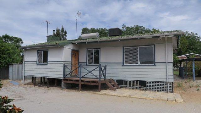 196 Clayton Street, Koongamia WA 6056