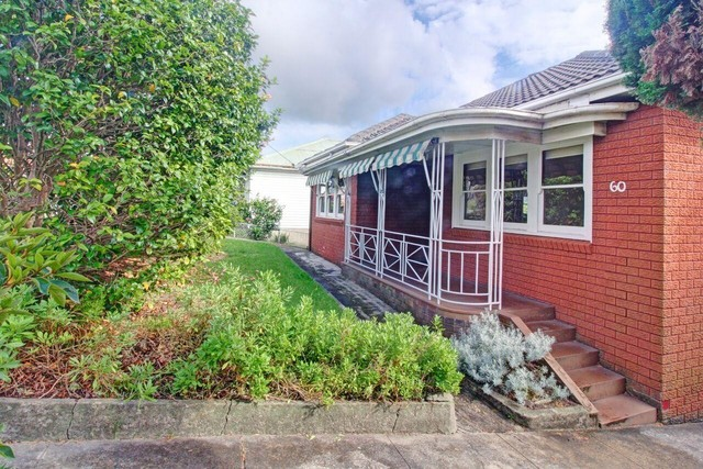 60 Mount Keira Road, West Wollongong NSW 2500