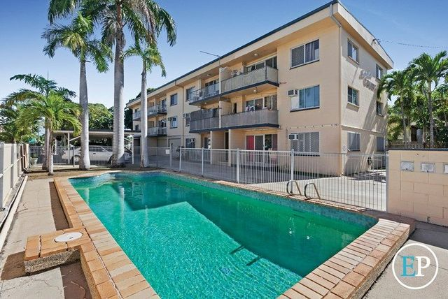 2/11 Vaughan Street, West End QLD 4810