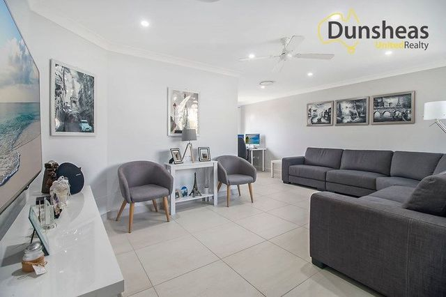 5 Riesling Place, Eschol Park NSW 2558