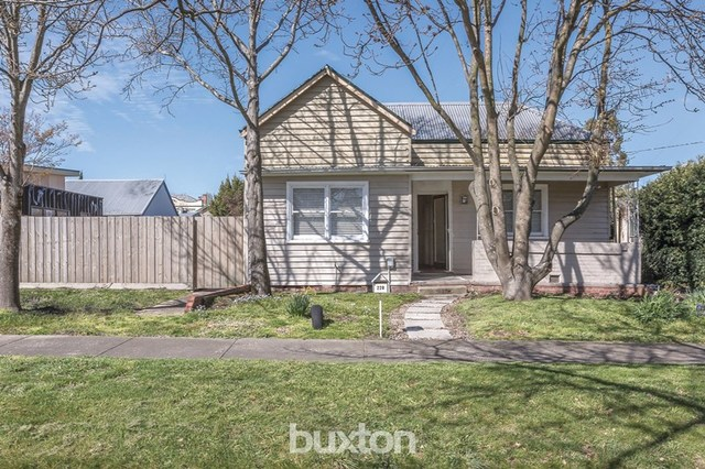 220 Clyde Street, Soldiers Hill VIC 3350