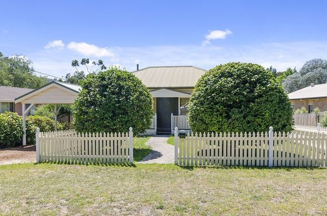 10 Henderson Avenue, Mittagong NSW 2575