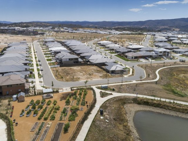 27 Helen Circuit, Googong NSW 2620