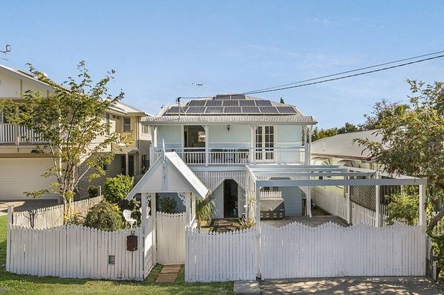 12b Carbethon Street, Manly QLD 4179