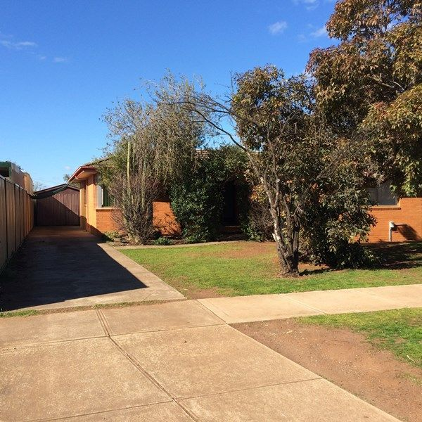 108 Exford Road, Melton South VIC 3338