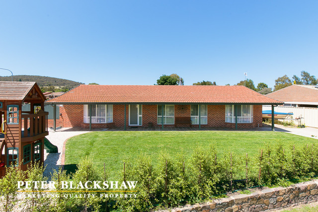 1 Roxon Place, Gilmore ACT 2905