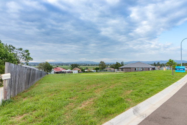 Laurie Drive, Raworth NSW 2321