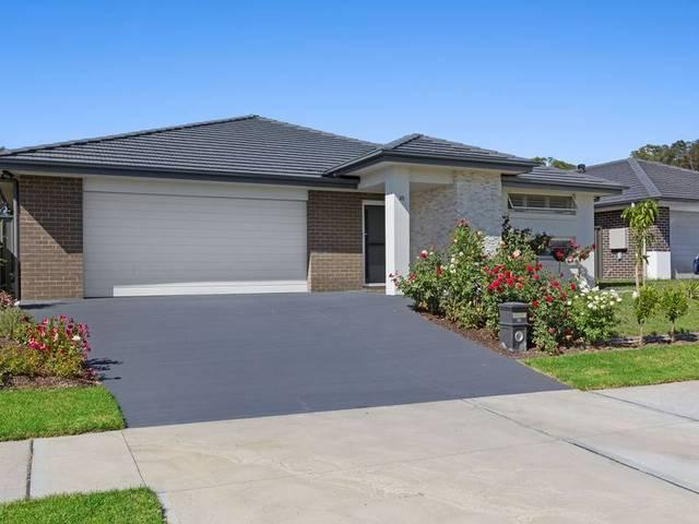 33 Voyager Street, Wadalba NSW 2259