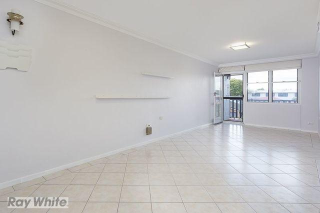 1/245 Cavendish Road, QLD 4151