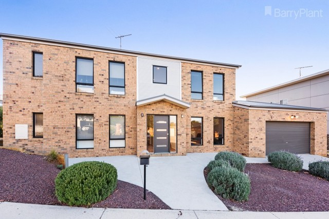 22 Ficinia Mews, Highton VIC 3216