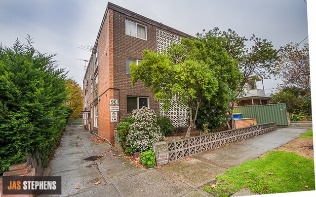 11/90 Roberts Road, West Footscray VIC 3012