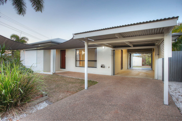 1 Simonsen Court, Kelso QLD 4815