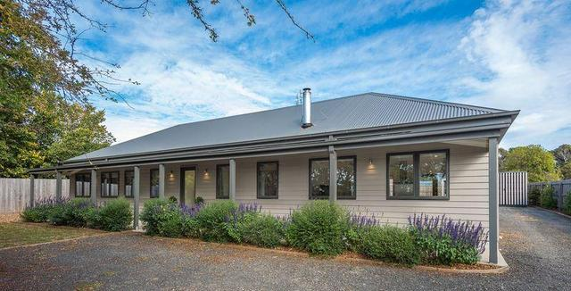 9 MacBain Street, Tylden VIC 3444