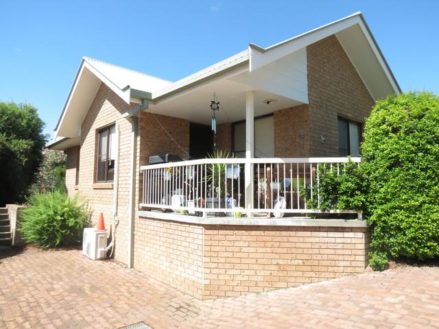 3/172 Hawker Street, Quirindi NSW 2343