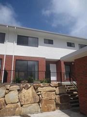 2/33 Pyrite Street -Lot 9- oreland Estate