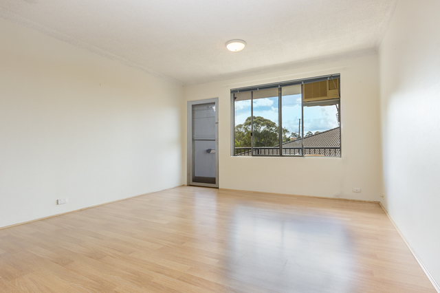 14/11A Cambridge Street, Gladesville NSW 2111