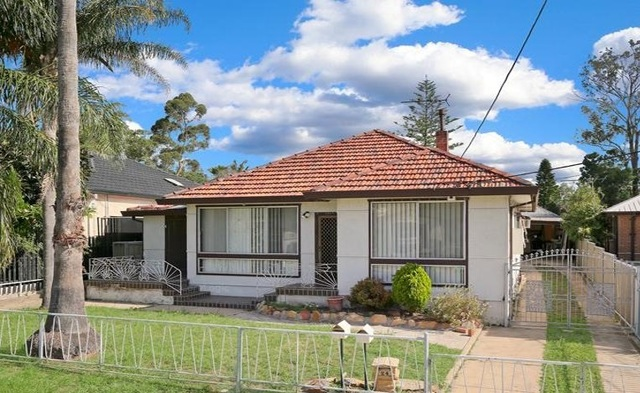 24 Coveny  Street, NSW 2767