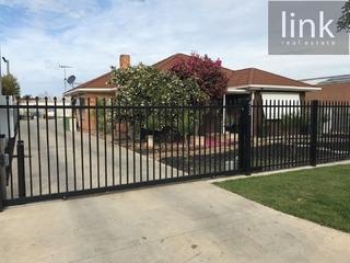 412 Griffith Road Lavington NSW 2641