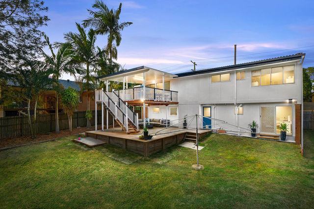 53 Yanderra Avenue, Arana Hills QLD 4054