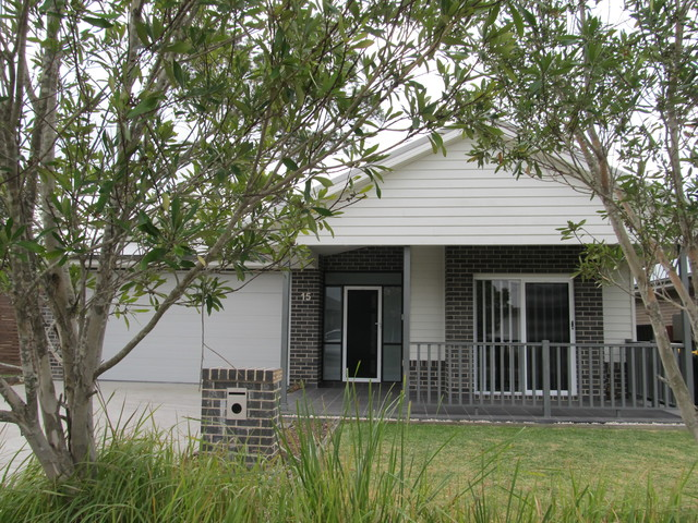 15 Galley Rd, Vincentia NSW 2540