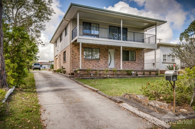 11 Bambury Avenue, Summerland Point NSW 2259