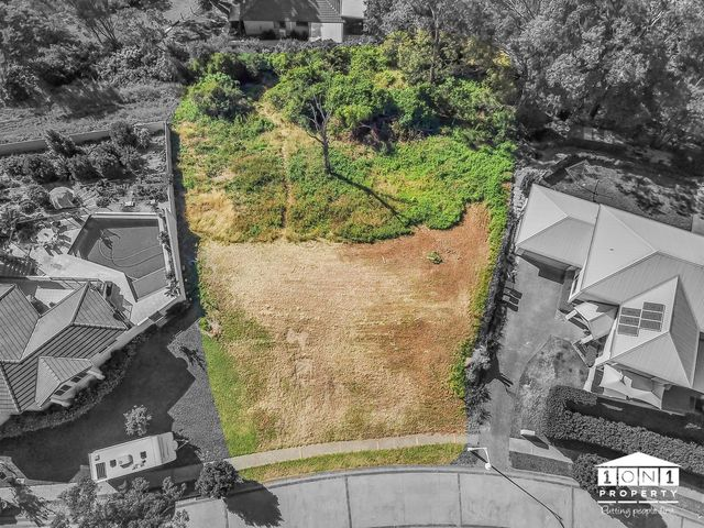 8 Castle Drive, Floraville NSW 2280