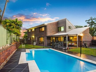 2 Burwood Close