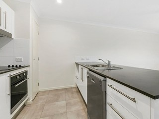 2/15A Herswell Avenue
