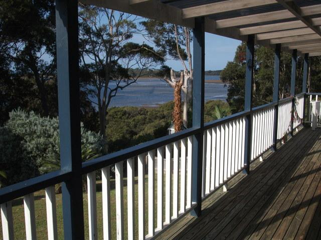 20 Millers Crescent, Moruya Heads NSW 2537