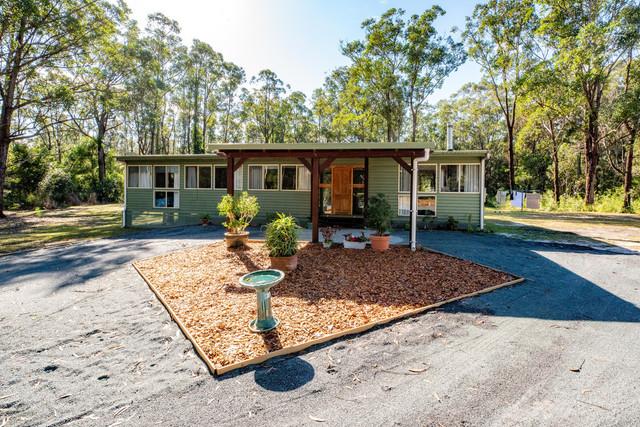 9 Oakview Drive, Hallidays Point NSW 2430