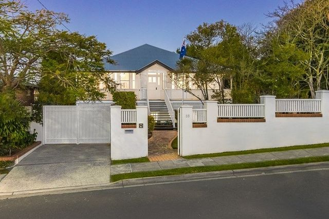 35 Hipwood Road, Hamilton QLD 4007