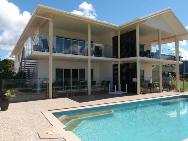 4/112 Kennedy Esplanade, South Mission Beach QLD 4852