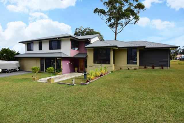 17 Turvey Crescent, St Georges Basin NSW 2540