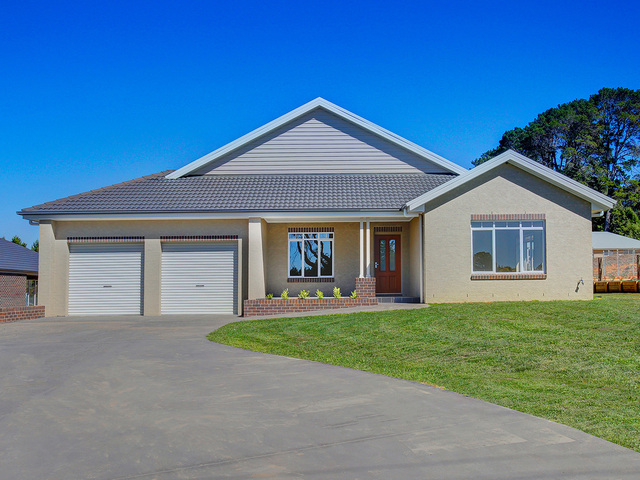 21 Young Road, Moss Vale NSW 2577