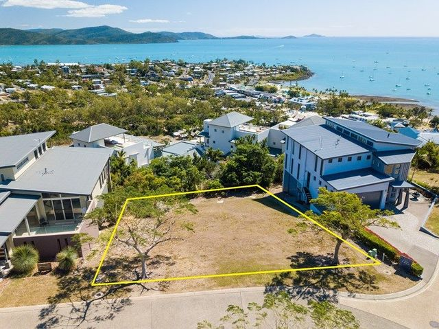 7 Airlie View, QLD 4802
