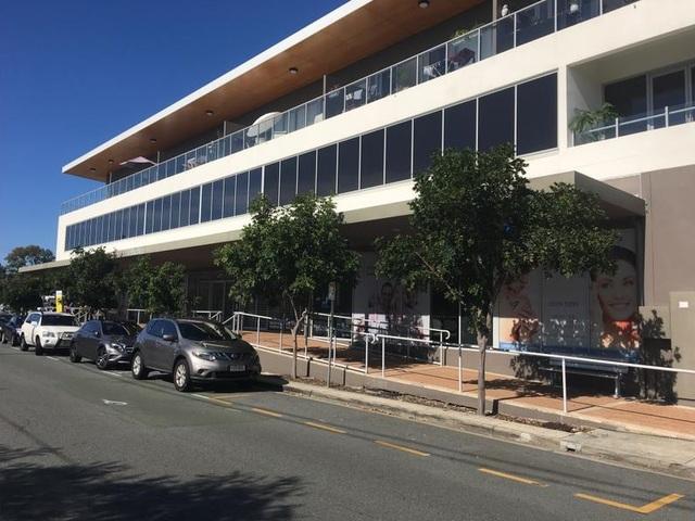 102 A&B Bruce Avenue, Paradise Point QLD 4216