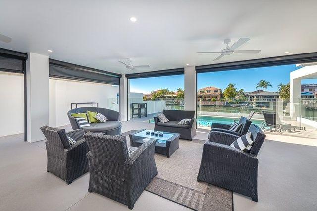 6 Saltbreeze Court, Runaway Bay QLD 4216