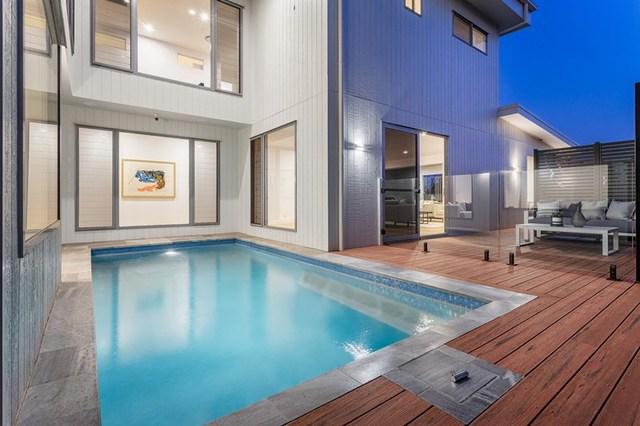 32 King Arthur Terrace, Tennyson QLD 4105