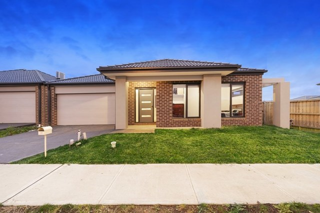 197 Heather  Grove, Clyde North VIC 3978