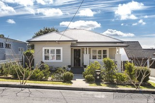 66 Lockyer Street