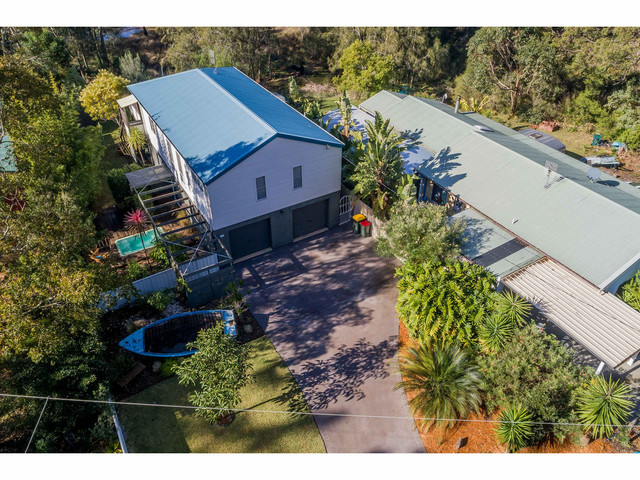 12 Sunnyside Avenue, Woollamia NSW 2540
