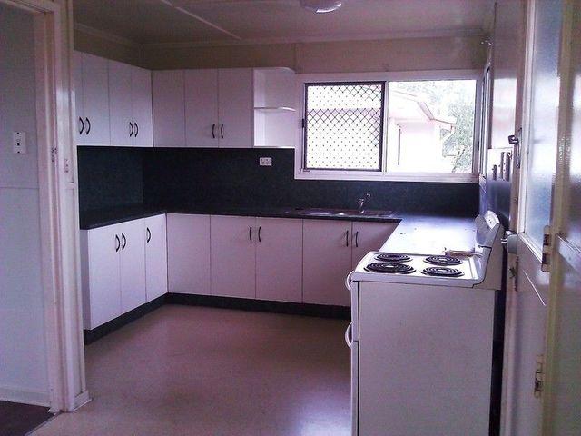 8 Philip St, QLD 4800