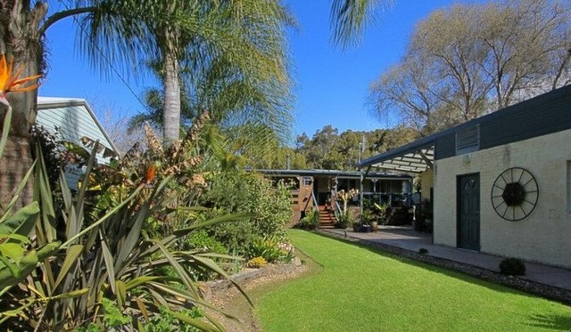 36 Connells Close, Mossy Point NSW 2537