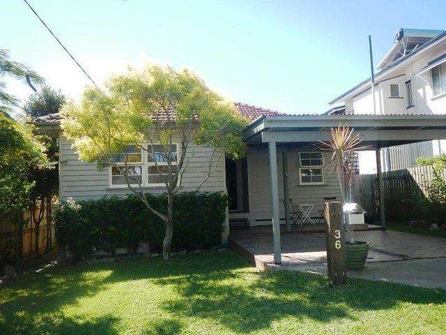 36 Garnet Street, Scarborough QLD 4020