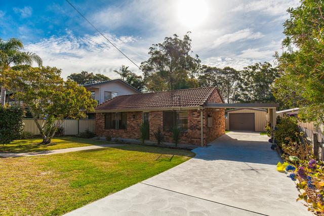 65 Wallaroy Drive, Burrill Lake NSW 2539