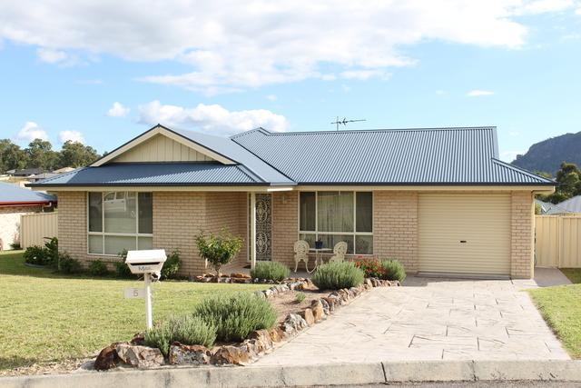 5 Wilson Cl, Gloucester NSW 2422