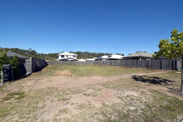 31 Clover Cres, Boyne Island QLD 4680