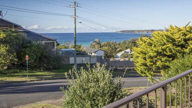 111 Mitchell Parade, Mollymook Beach NSW 2539
