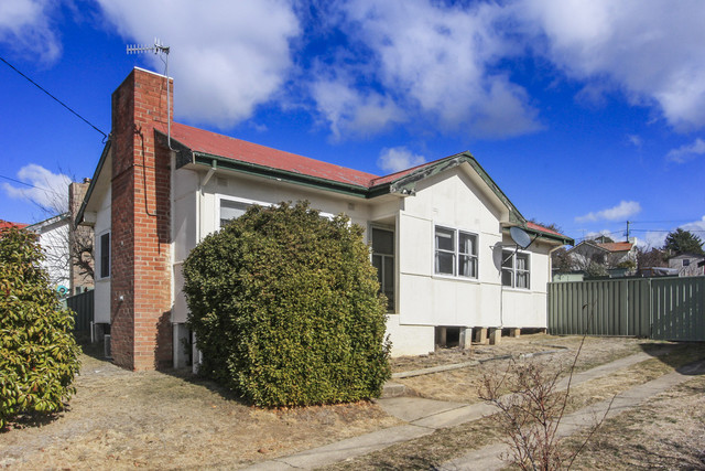 15 Baroona Ave, Cooma NSW 2630